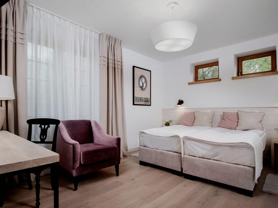 kamienny-domek-pokoje-lubinowe-wzgorze-noclegi-naleczow-kazimierz-dolny-eko-resort20