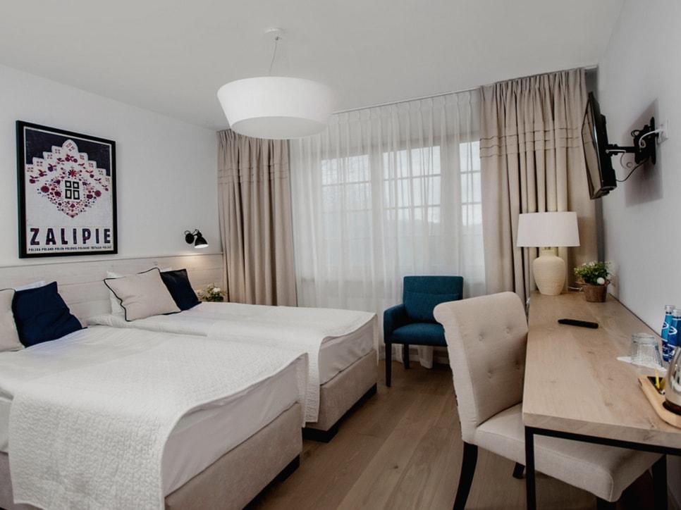 kamienny-domek-pokoje-lubinowe-wzgorze-noclegi-naleczow-kazimierz-dolny-eko-resort21