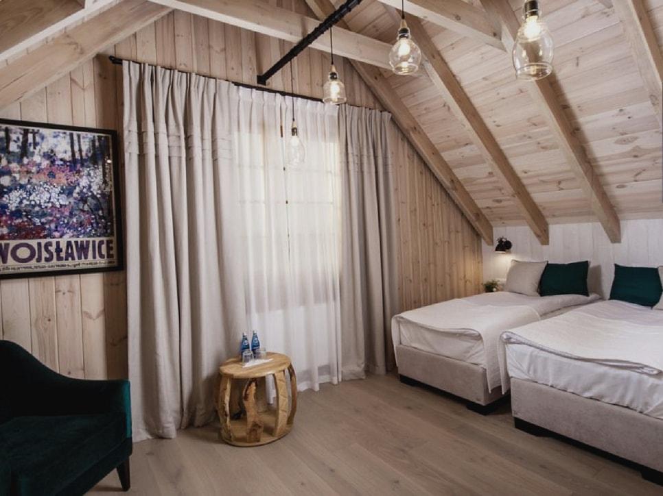 kamienny-domek-pokoje-lubinowe-wzgorze-noclegi-naleczow-kazimierz-dolny-eko-resort22