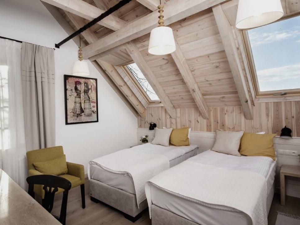 kamienny-domek-pokoje-lubinowe-wzgorze-noclegi-naleczow-kazimierz-dolny-eko-resort23