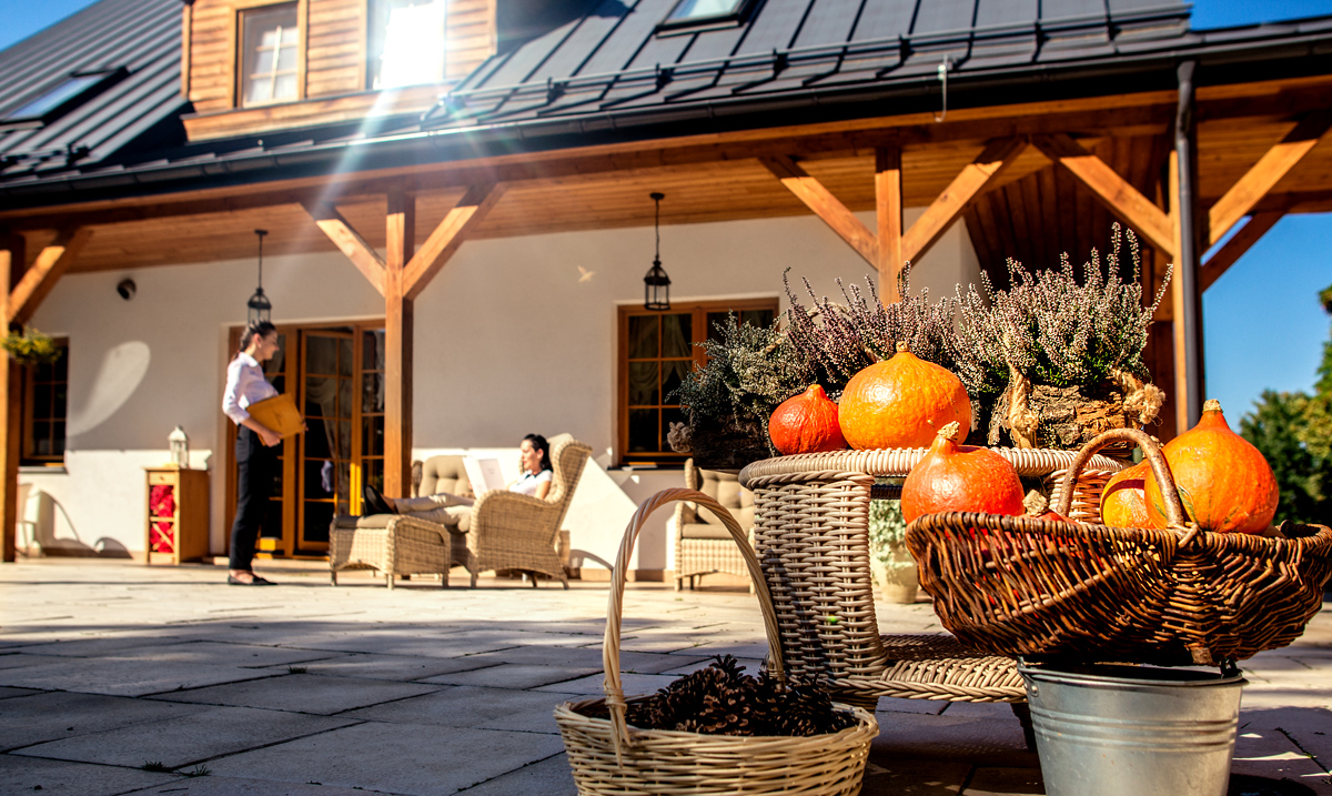 jesien-hotel-lubinowe-naleczow-odpoczynek-pakiet-na-jesien-02